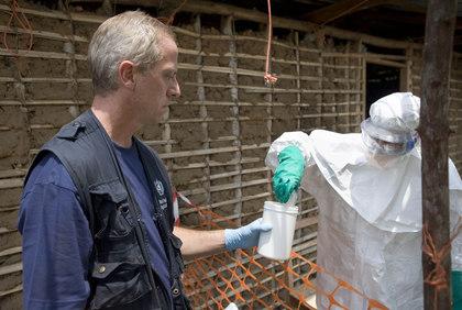 Информационный вирус Эбола