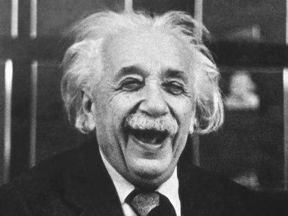 Плагиатор Эйнштейн и ложь теории относительности (видео)